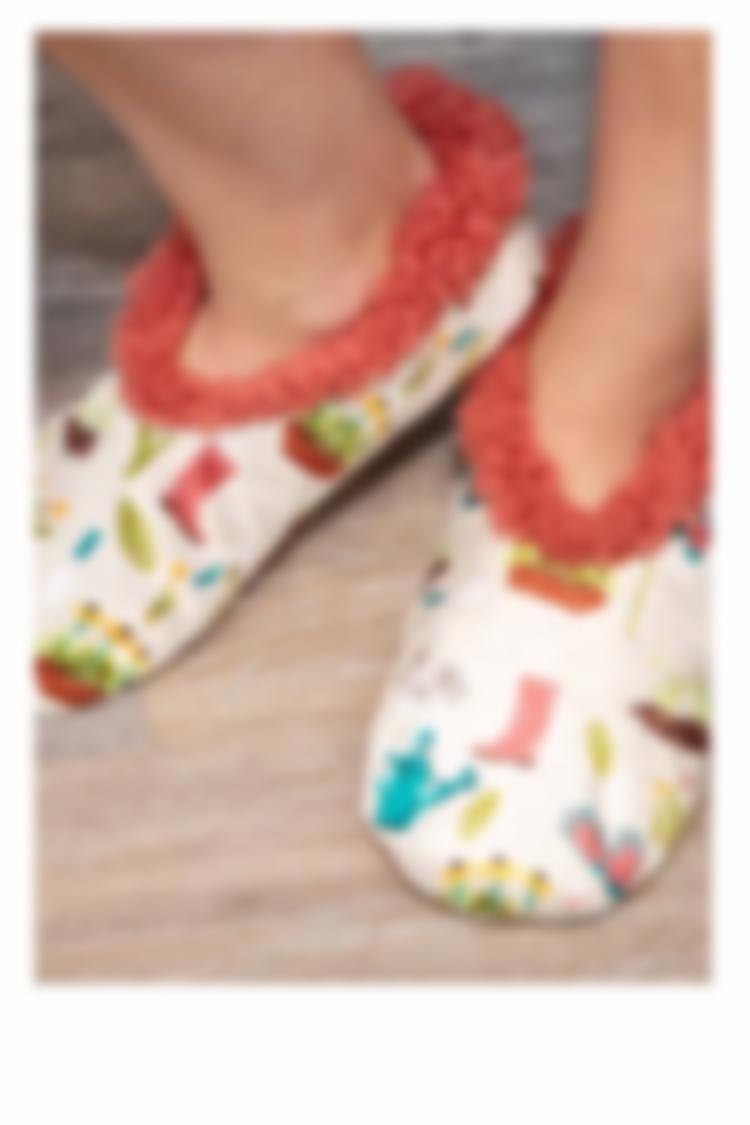 Fuzzy Feet -Cozy Slippers
