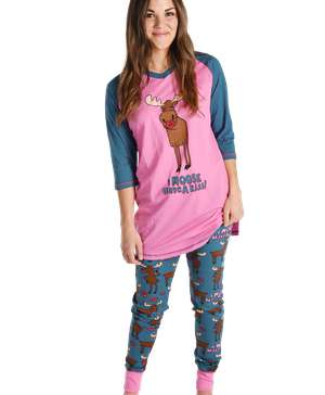 Moose Have a Kiss Women's Legging Set