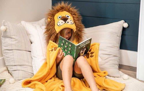 Lion Hooded Blanket